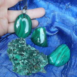 Malachite 30x40mm pendant with tumble stones and malachite crystal